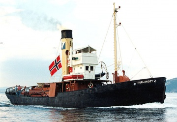 Former whale catcher Forlandet was being used as a tug until 1983