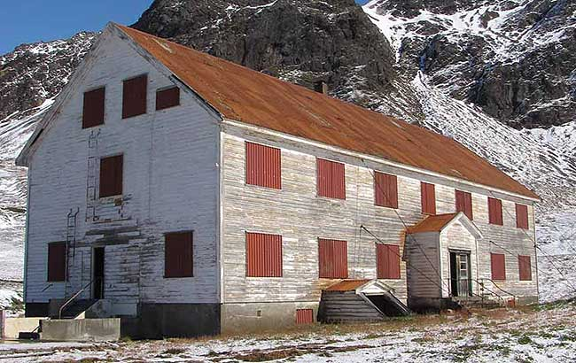 Nybrakke Barracks before restoration.