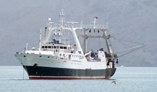 "Trawler ""Sil"" is conducting research fishing in the SGMZ."