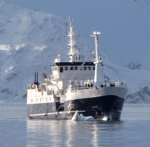 A longliner calls in at the end of the toothfish season.